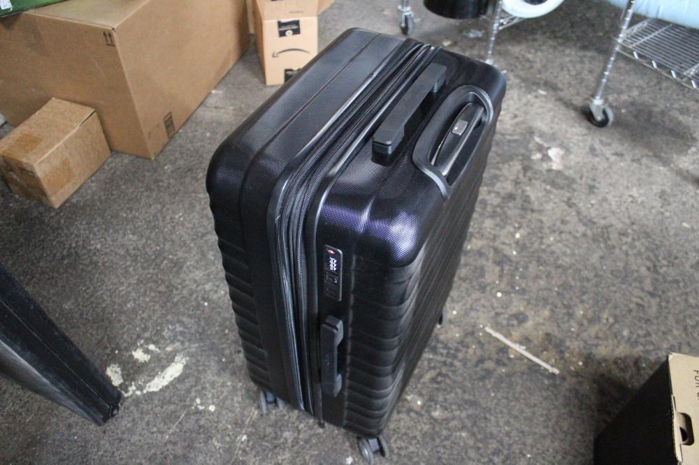 AMAZON BASICS TRAVEL LUGGAGE BACK