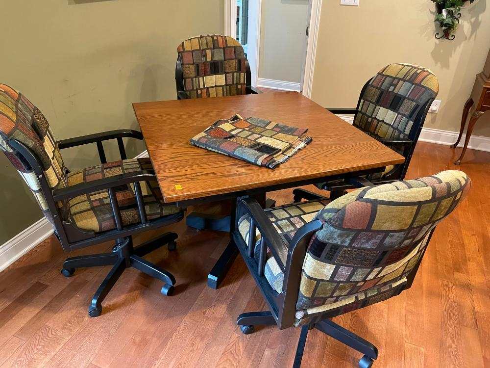CONTEMPORARY TABLE AND 4 CHAIRS