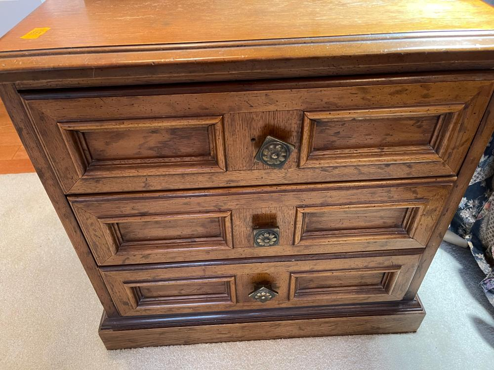 VINTAGE 3 DRAWER SIDE TABLE