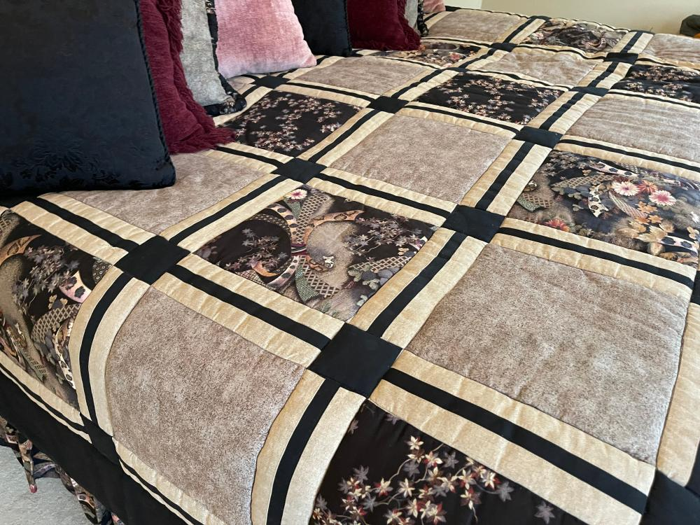 KING SIZE BED SET. INCLUDES FRAME, MATTRESS, BOX SPRING, LINENS AND PILLOWS.