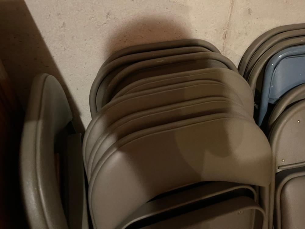 LARGE LOT OF FOLDING CHAIRS