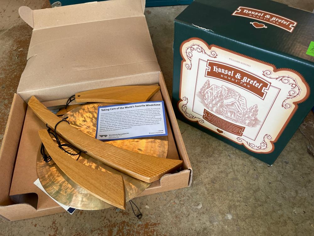 HANSEL AND GRETEL BUNDT PAN