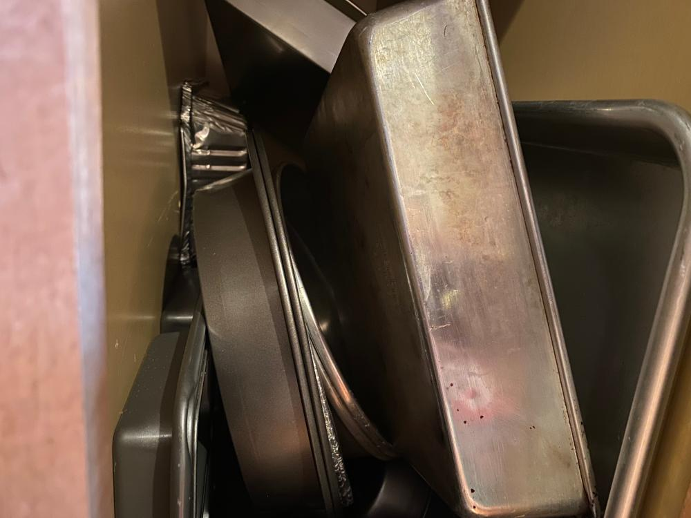 LARGE LOT OF BAKING DISHES, ASSORTED SIZES