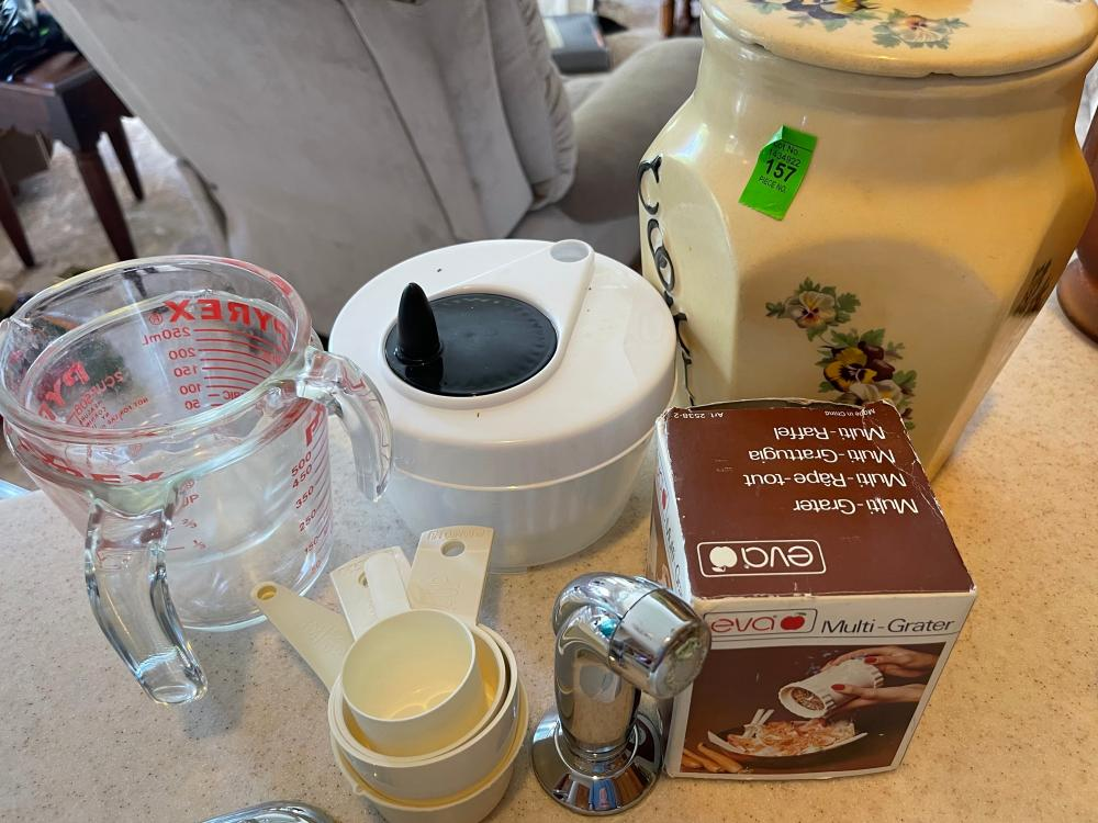 MURPHY COOKIE JAR AND MISC KITCHEN ITEMS