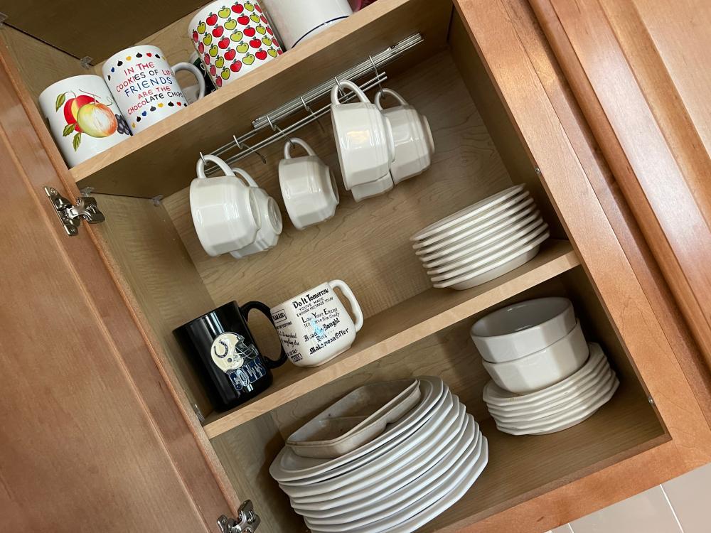 PFALTZGRAFF DISHES, COFFEE MUGS AND GLASS SET