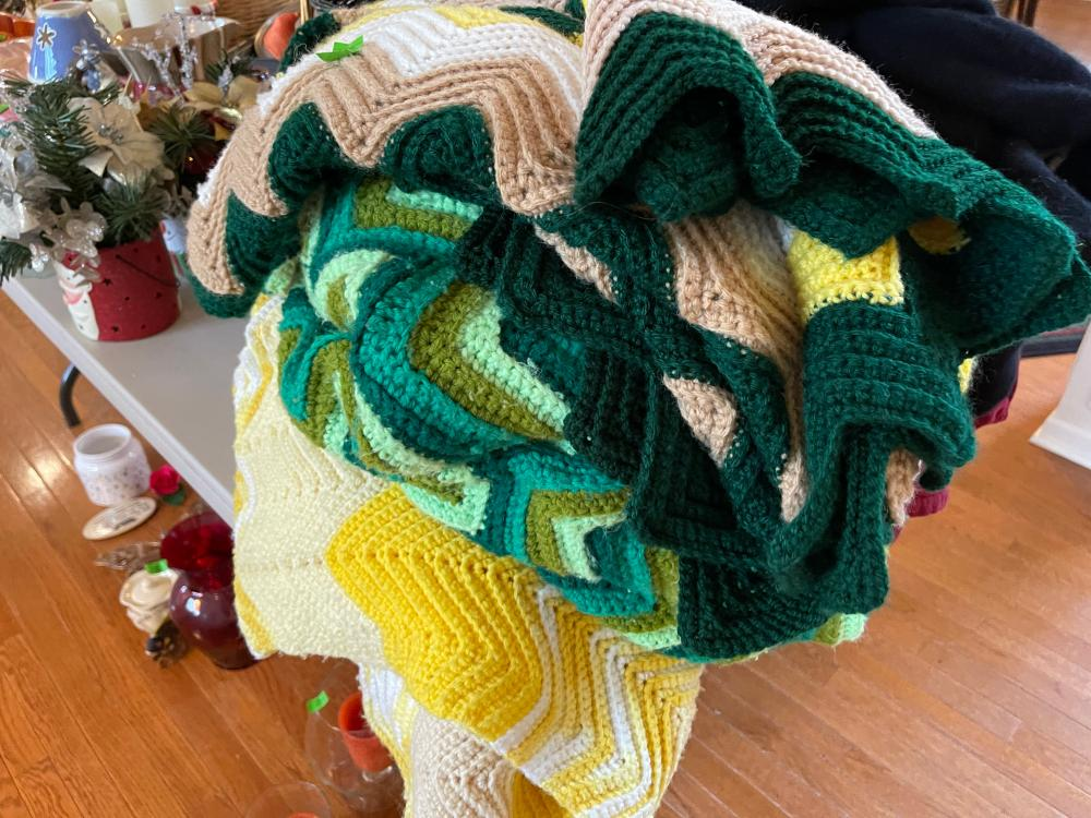 LOT OF VINTAGE CROCHETED BLANKETS
