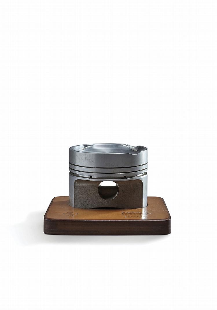 ferrari piston en alliage l ger sur socle schedoni pour ferr. Black Bedroom Furniture Sets. Home Design Ideas