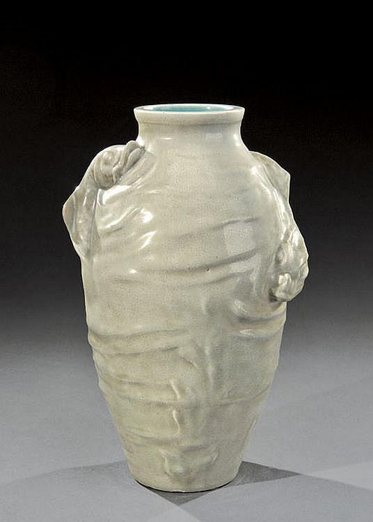 THEODORE DECK (1823-1891) et ERNEST CARRIERE (1858-1908) Vase céladon