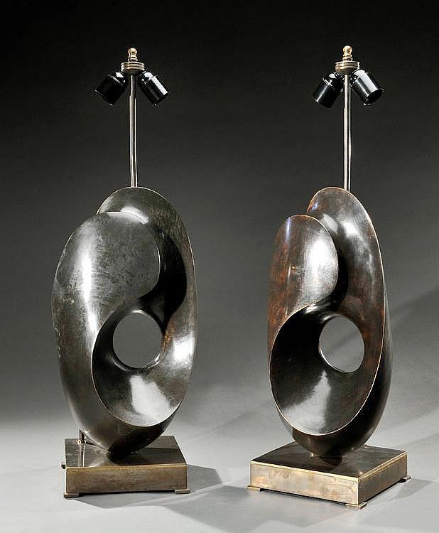 ANTONIO VIRDUZZO (1926-1982)Paire de lampes-sculptures de forme libre en bronze