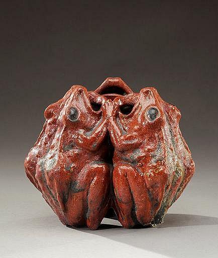 EDMOND LACHENAL (1855-1930) Rare vase zoomorphe en