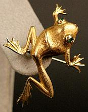 14k Gold Frog Brooch