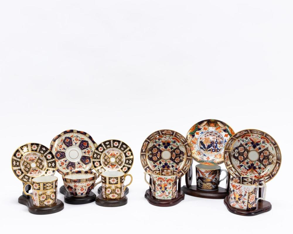 SIX ENGLISH IMARI CUPS & SAUCERS WITH STANDS