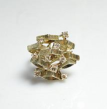Vintage 18k Gold & White Diamond Ring
