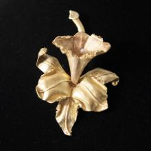 18kt Gold & Pearl Hibiscus Brooch