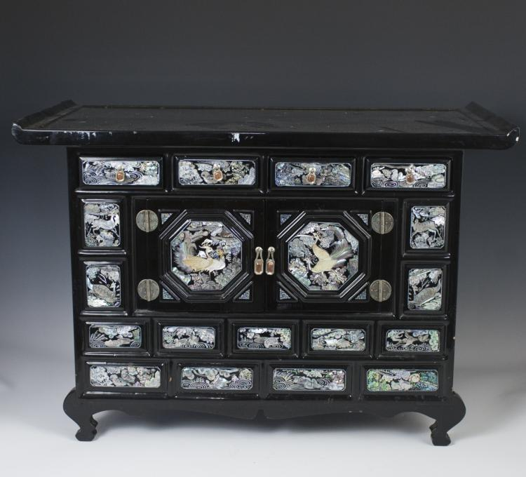 VINTAGE KOREAN LACQUERED MOTHER OF PEARL CABINET
