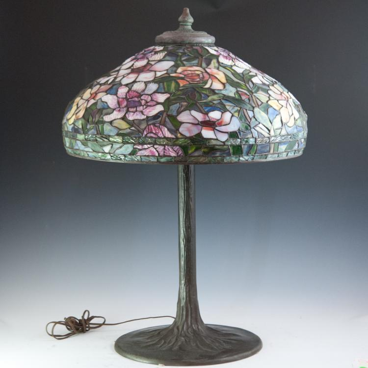 tiffany style stained glass lamp. Black Bedroom Furniture Sets. Home Design Ideas