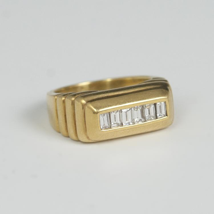 18kt Gold Diamond Men's Ring