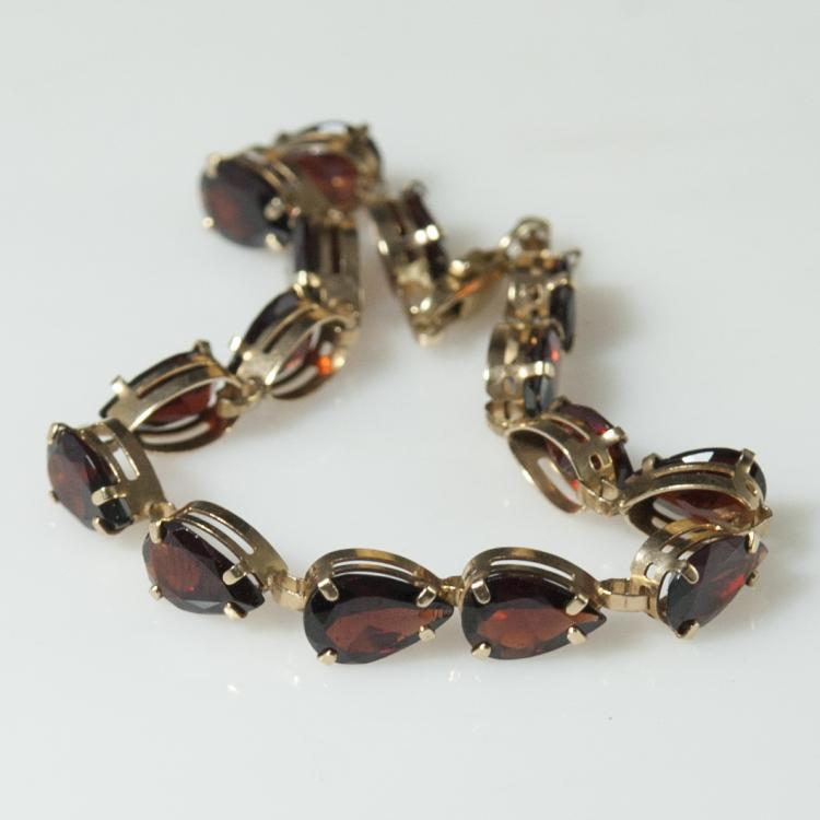 10kt Gold Synthetic Ruby Bracelet