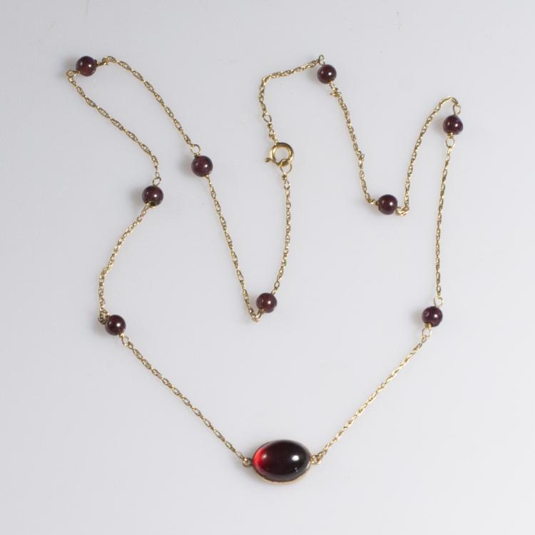 14kt Gold & Garnet Necklace