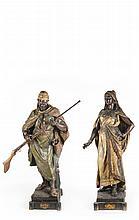 Vienna Bronze, Early 18th Century - فريدريش غولدشايدر (أواخر القرن 19) مجسمان من البرونز لرجل وامرأة مطليان بألوان متعددة مع ختمة الفنان الصانع- فيينا