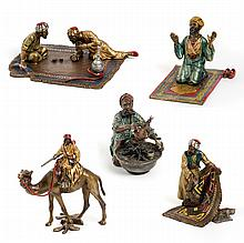 Set of Five Bronze Arab Figures - مجموعة مجسمات مكونة من ست قطع ومصنوعة من البرونز المطلي على البارد