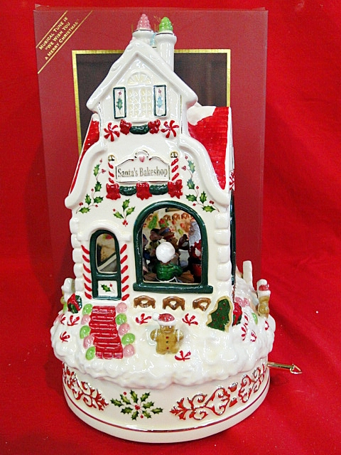Lenox Holiday Centerpiece Bowl : Lenox holiday santa s bakeshop centerpiece