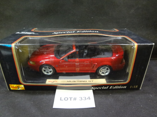 Maisto 1:18 scale die cast car, 1999 Mustang GT convertible, NRFB