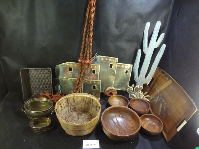 Metal and wood, mixed lot