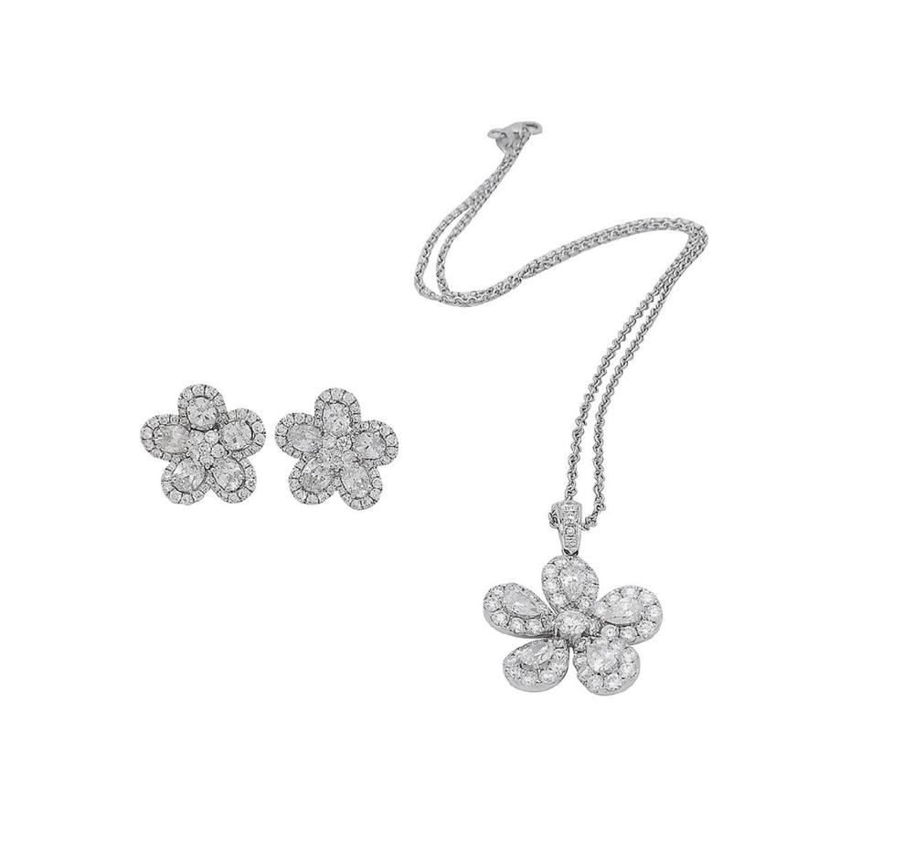 18k 8.00 TCW Brilliant Diamond Set Earring Necklace