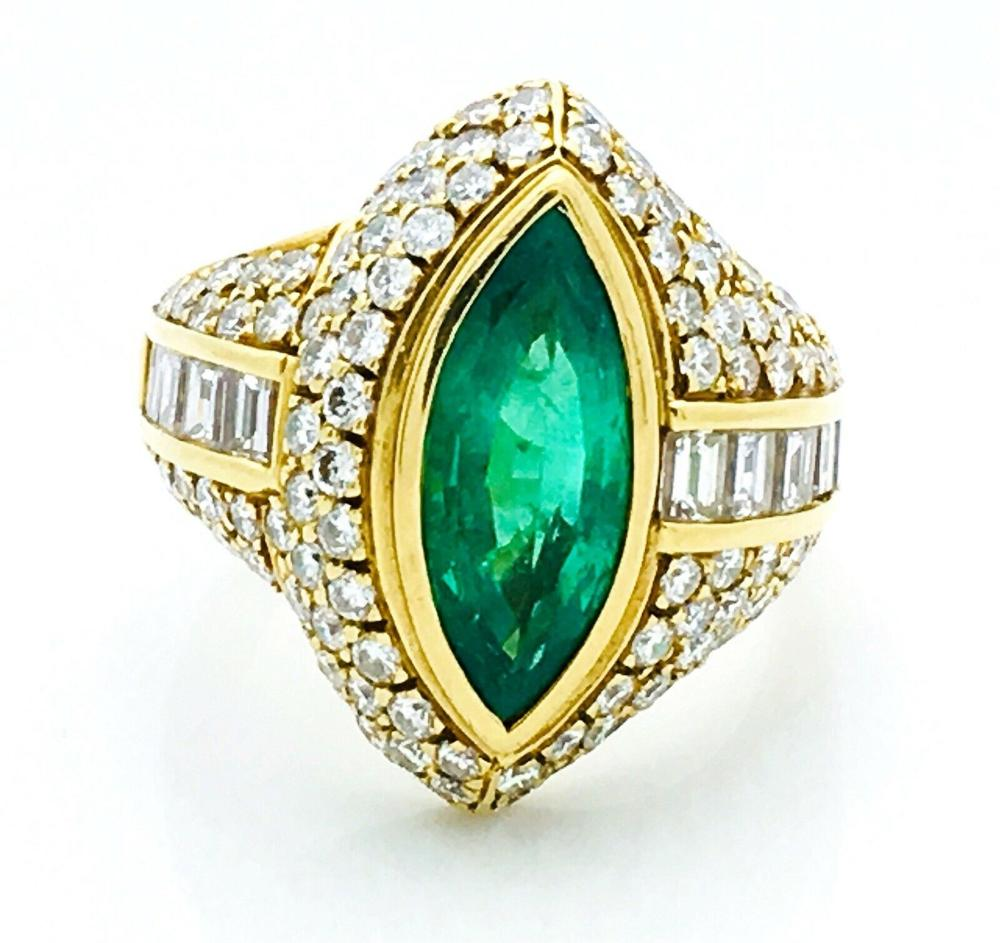 18K Yellow Gold Emerald Diamond Ring Size 7.25