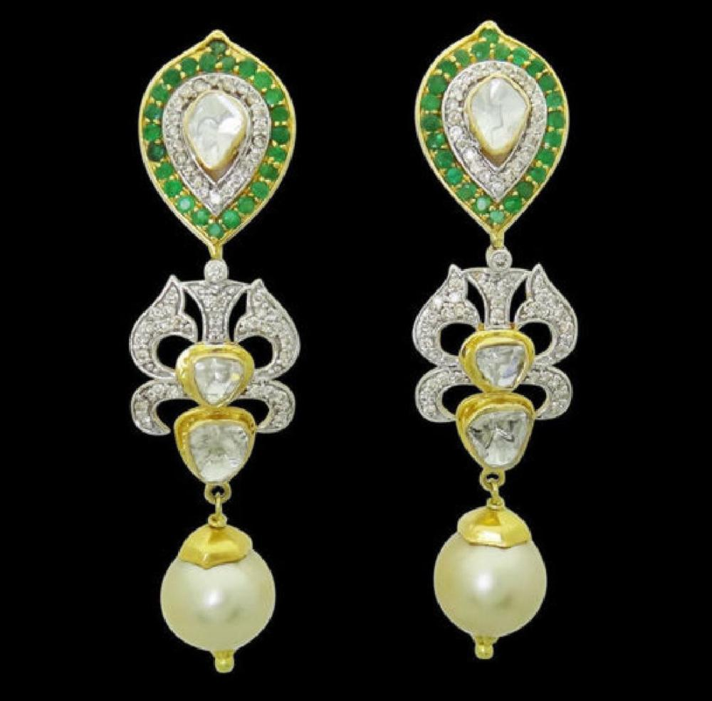 Estate 22k Gold 2.50 TCW Diamond & Emerald Pearl Drop