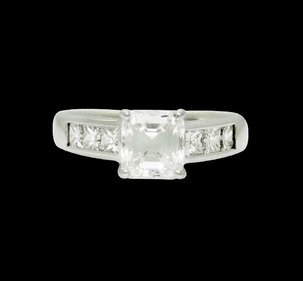Ritani 18k Gold 1.50 Carats TCW Emerald Cut Ring