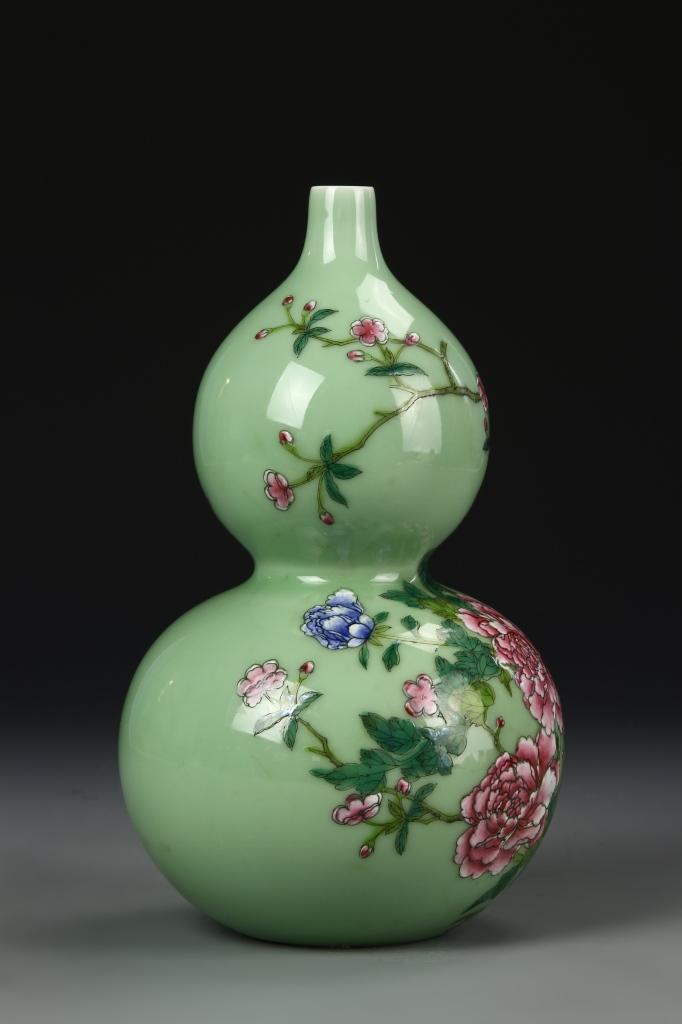 Chinese Green Glazed Gourd Vase