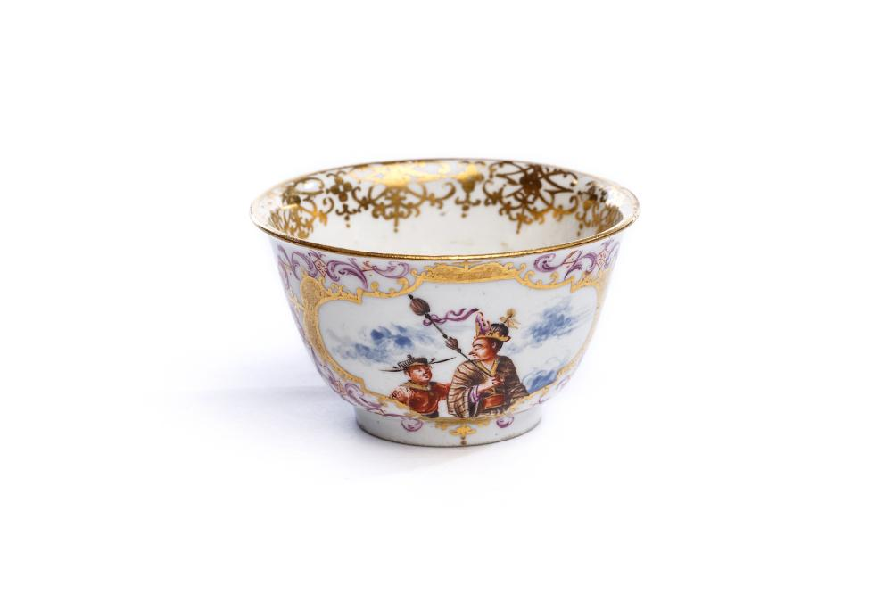 Rare bowl without soucer, Meissen 1725 | Koppchen, Meissen 1725, Malerei von Johann Gregorius Höroldt (1696-1775), Bonhams London - The Hoffmeister Collection