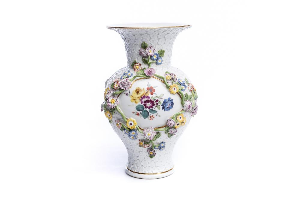 "Vase ""Forget-me-not relief with flowers"", Meissen 1750 