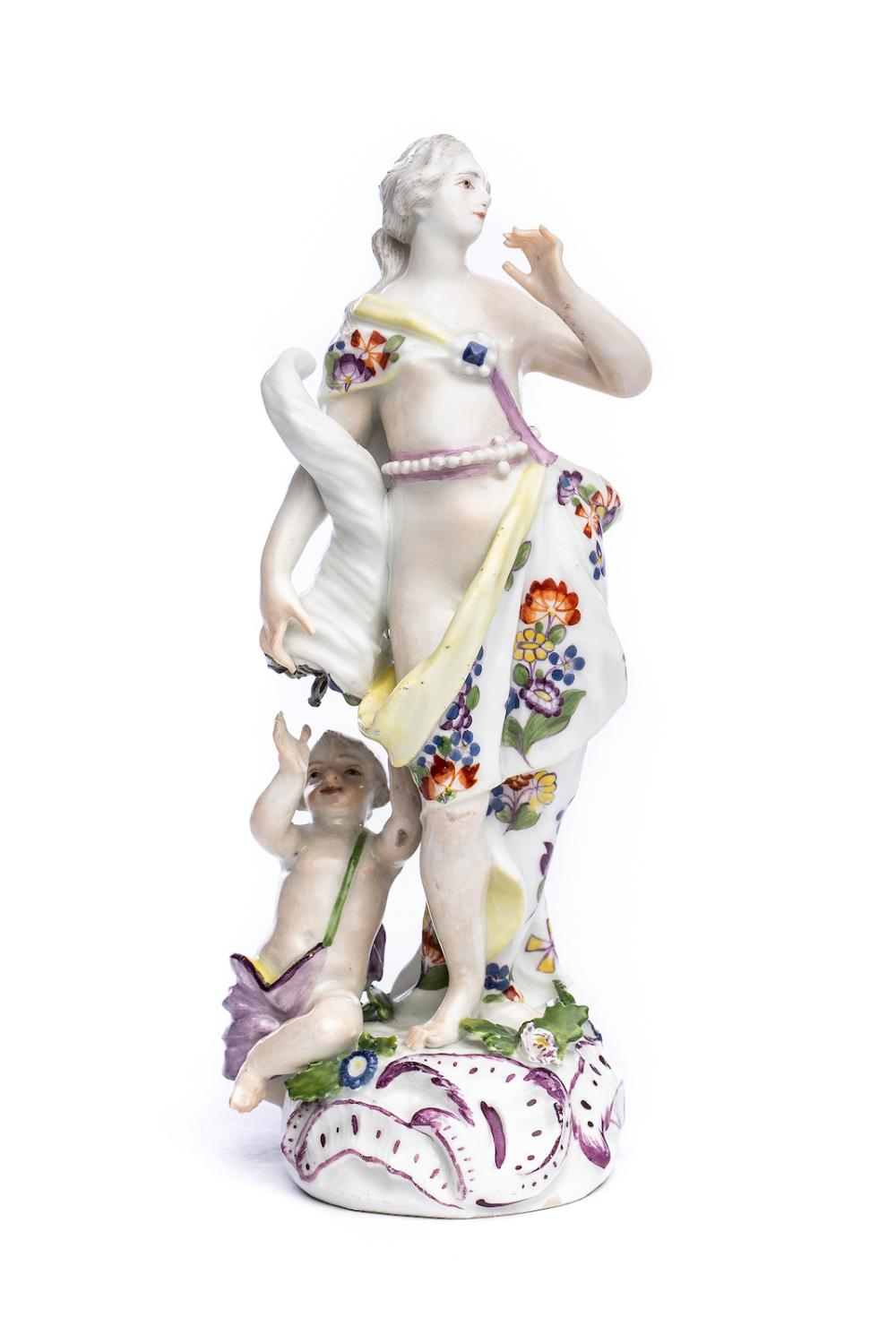 Figure of a young woman, Meissen 1751 | Weibliche Porzellanfigur, Meissen 1751