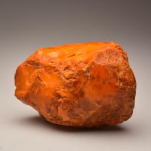 White/yellow Baltic Amber stone (514.6 g.)