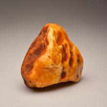 White Baltic Amber Stone (376.2 g.)