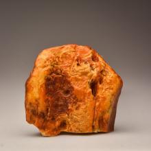 Royal white/marble Baltic Amber stone (284.8 g.)