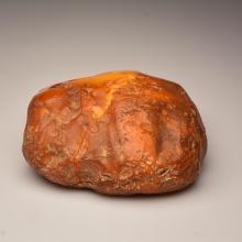 Yellow/white Baltic Amber stone (1109.2 g.)