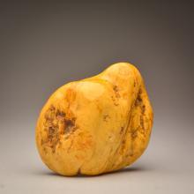 Beautiful white Baltic Amber stone (434.8 g.)
