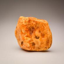 White/Yellow Baltic Amber stone (186.4g.)