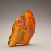 Yellow/transparent Baltic Amber stone (129.2 g. )