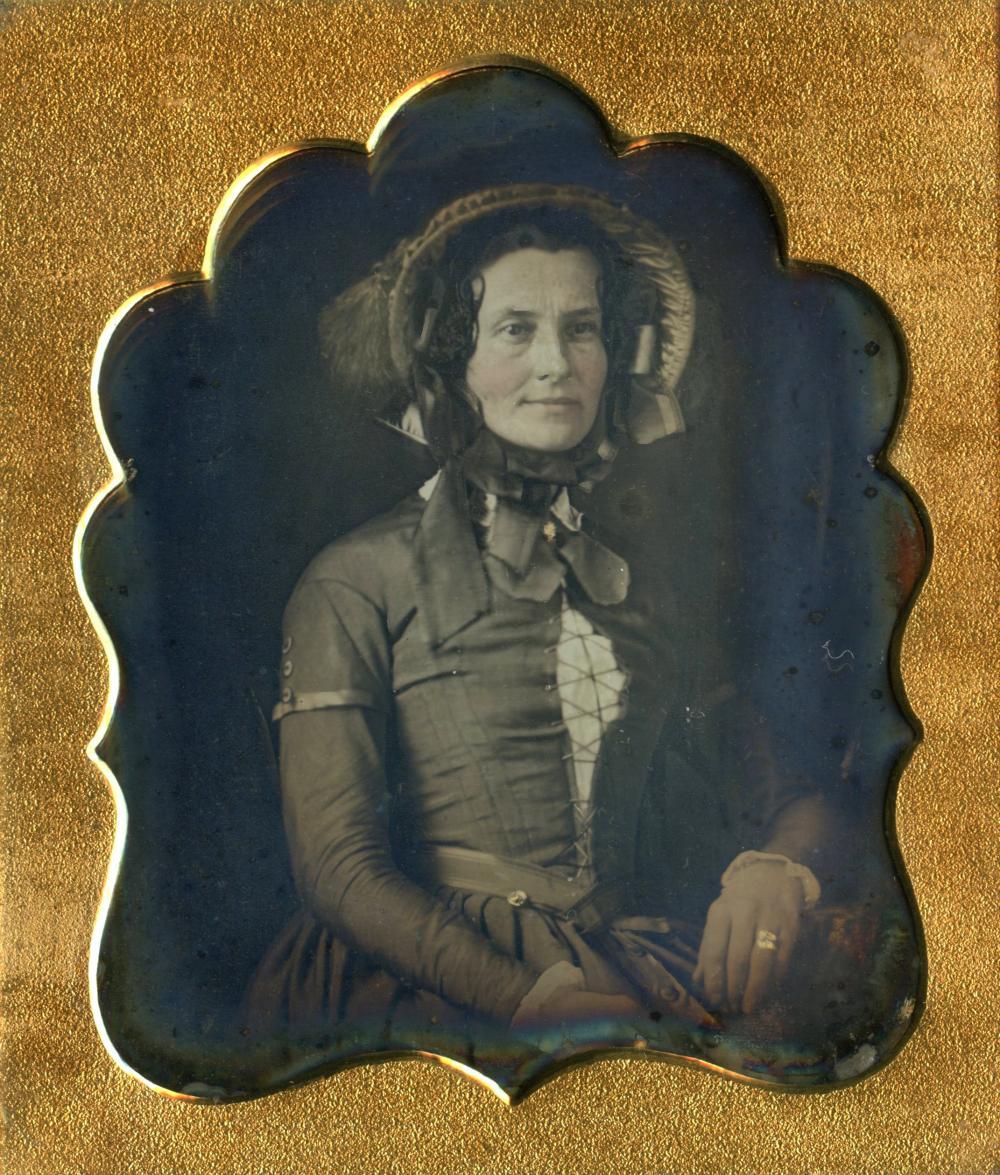 Beautiful Sixth plate Daguerreotype of Woman