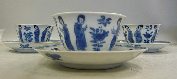 A matched set of three Chinese Kangxi porcelain