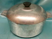 Vintage Wagner Ware Sidney -0-  Magnalite 4248 P Aluminum 5 Quart Dutch Oven