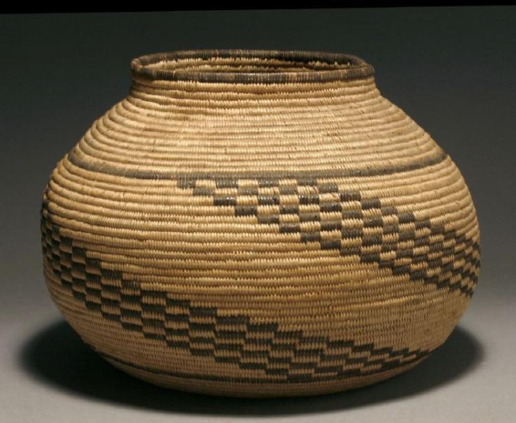 A FINE AMERICAN INDIAN CHEMEHUEVI BASKETRY OLLA