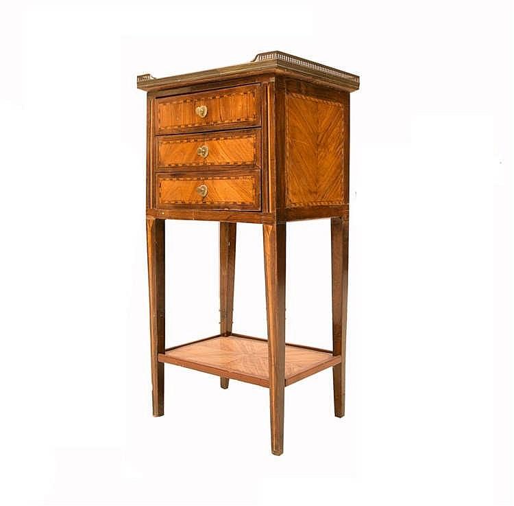 Table chiffonnière style Louis XVI en bois de placage et fil