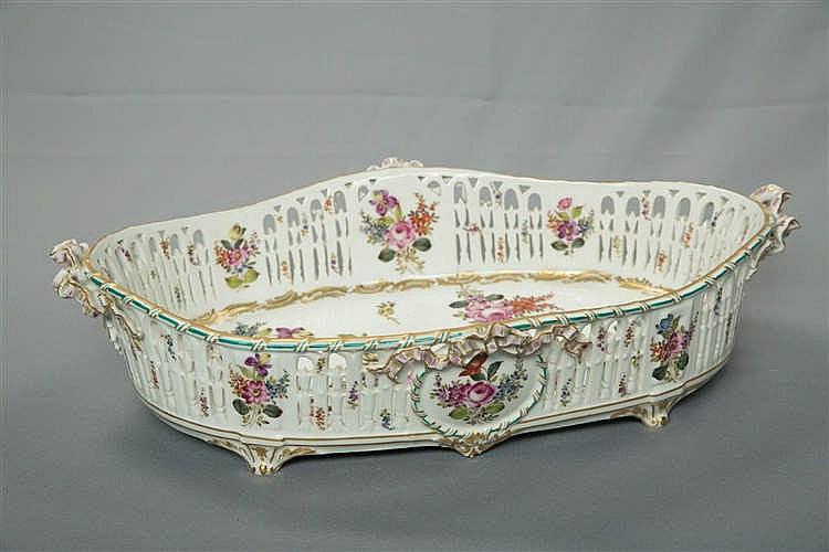 Jardini re centre de table en porcelaine de paris ajour e - Porcelaine de table ...