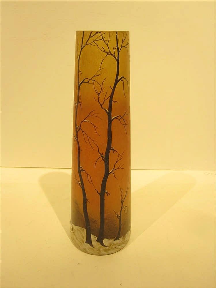 Legras vase en verre peint et emaille a decor de paysage de for Decoration vase en verre